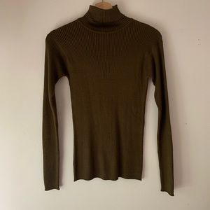 Vintage rubbed turtleneck